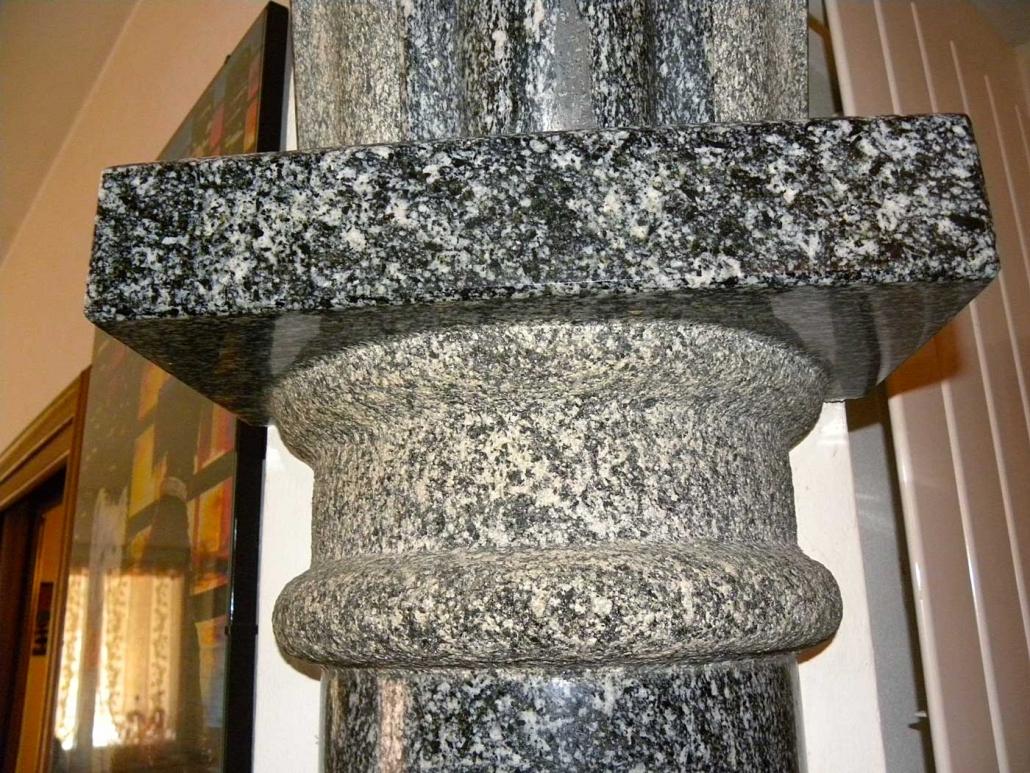 Capitello colonna interna in granito